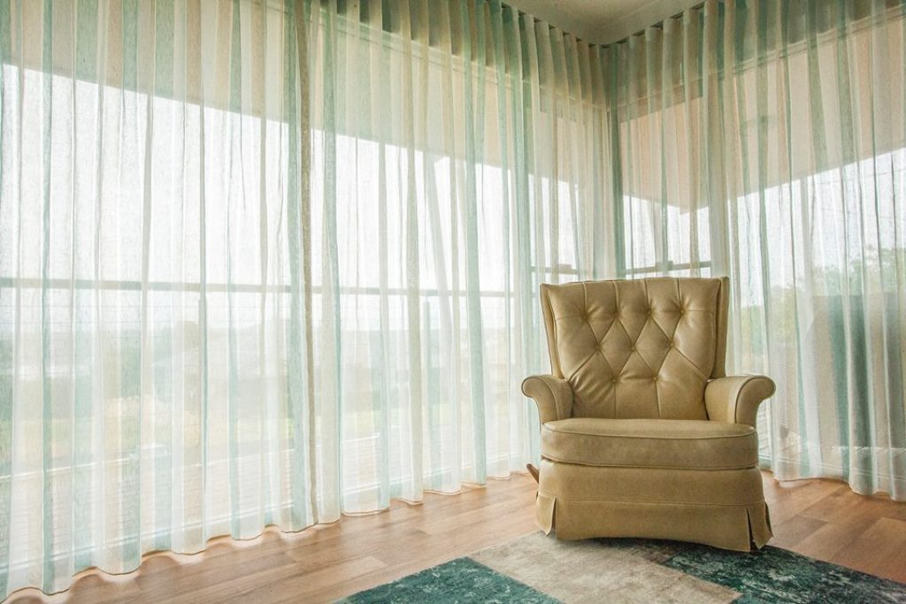 Best White Sheer Curtains For Livingroom In Dubai