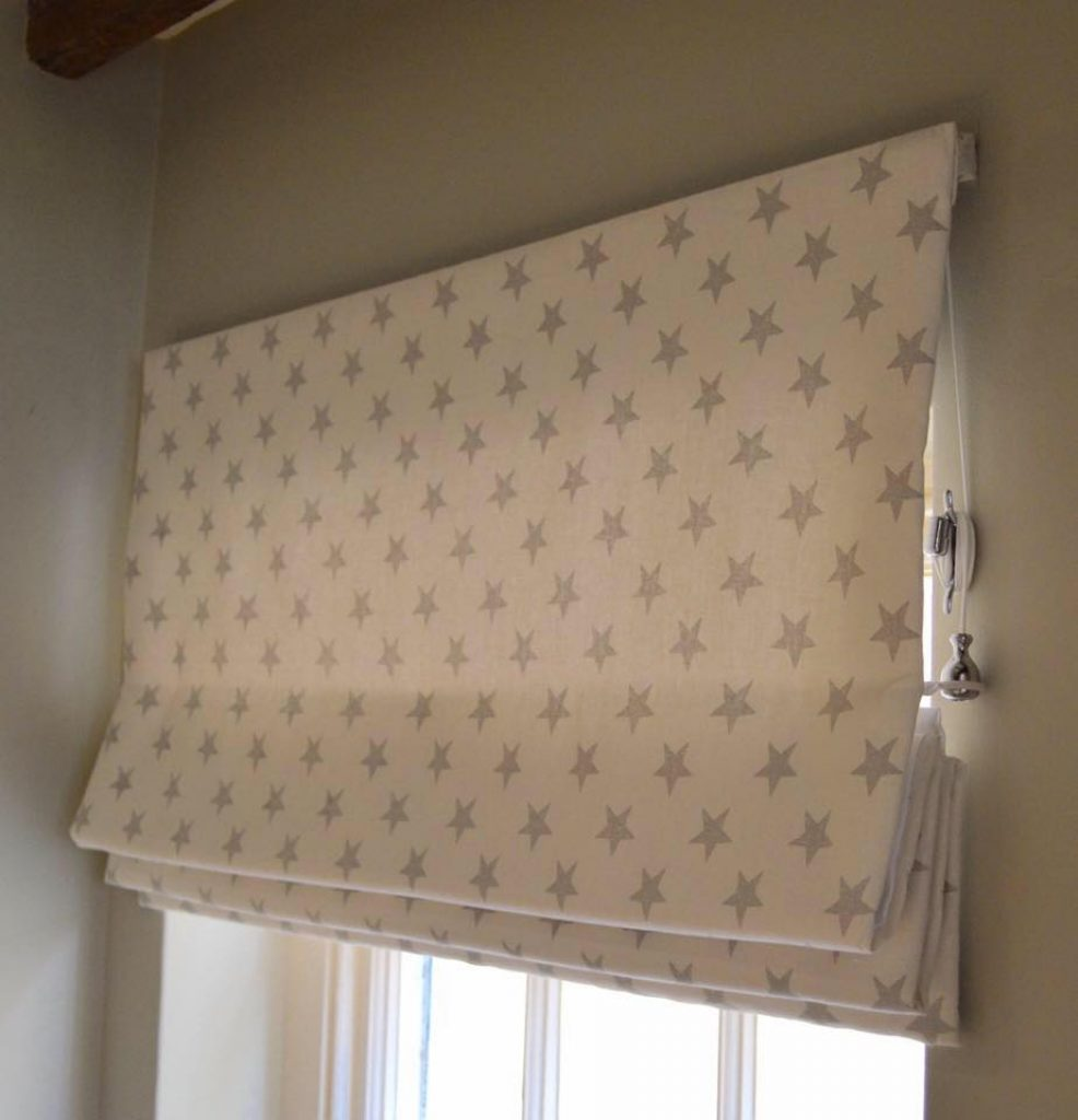 Made to measure fabric roman blinds dubai abu dhabi for Star material for curtains