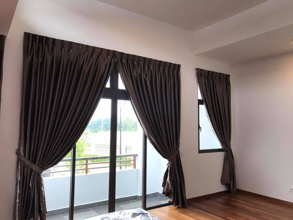 made to measure curtain for window dubai curtains blinds. Black Bedroom Furniture Sets. Home Design Ideas
