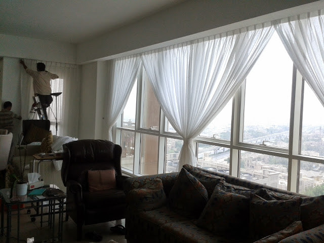 Drapery Installation Service : Curtains and blinds fixing installation service in